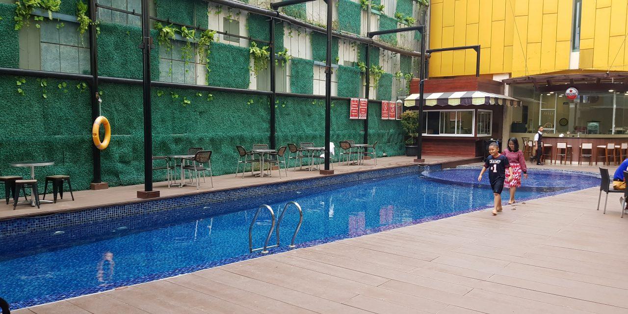 Kolam renang hotel Horison Lampung
