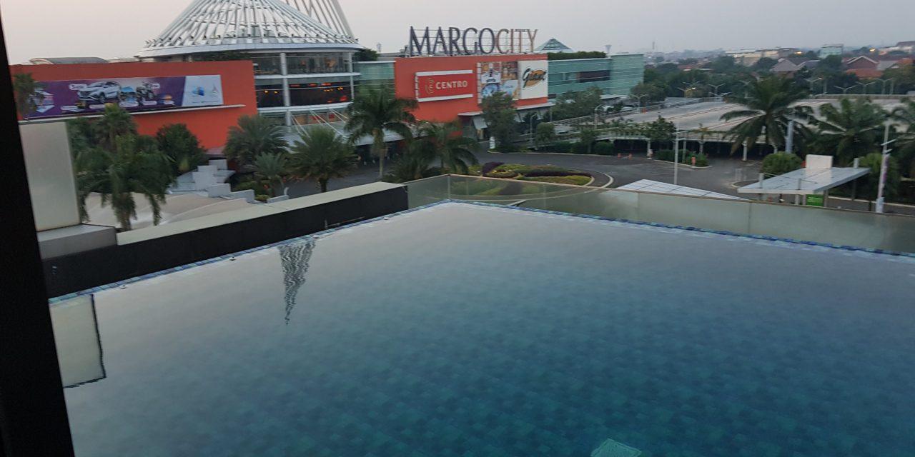 """Watch """"Kolam renang hotel Margo Depok"""" on YouTube"""