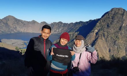"Watch ""Evakuasi pendaki gn Rinjani"" on YouTube"