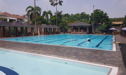 Kolam renang hotel Sun Lake Jakarta