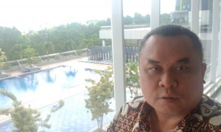 Kolam renang Hotel Radison Batam