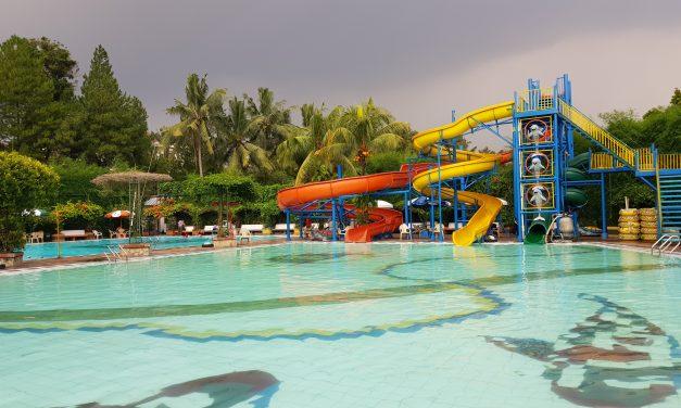 Kolam Renang Yasmin Sport Center